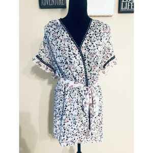 In Bloom Floral Ruffle Robe sz M